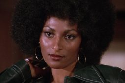 Women in US – Foxy Brown di Jack Hill (1974; 94′); v.o.sott.it